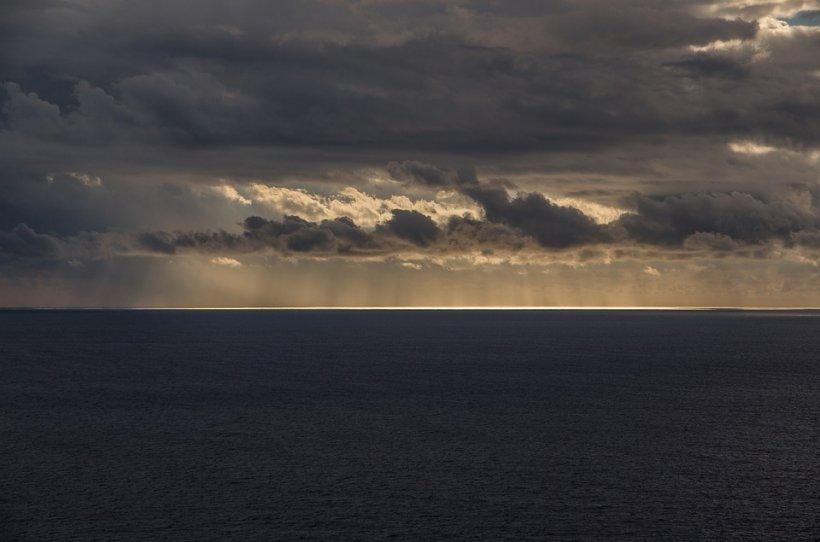 O femeie a plutit 38 de ore pe mare și a supraviețuit. Nu a mâncat şi nu a băut nimic
