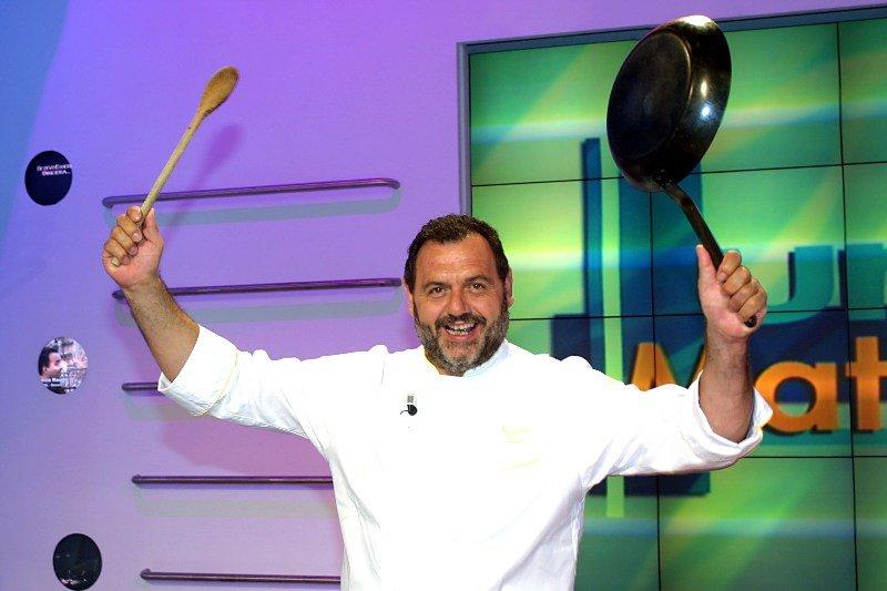 """Un celebru bucătar italian i-a comparat pe vegani cu """"niște sectanți"""" și a afirmat la un post de televiziune că """"i-ar ucide pe toți"""""""