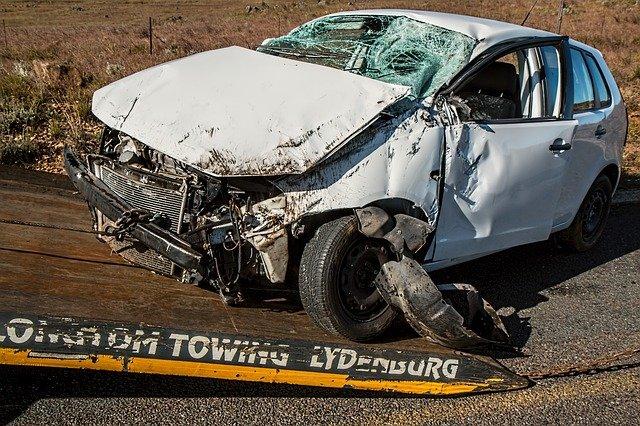 Accident frontal pe Valea Oltului. Traficul a fost oprit