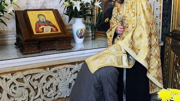 Un preot a decis demolarea bisericii vechi de 170 de ani în care slujește. Ce motiv a invocat duhovnicul