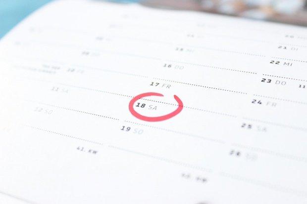 Sâmbăta ar putea deveni zi lucrătoare. Se cere o modificare a Codului Muncii