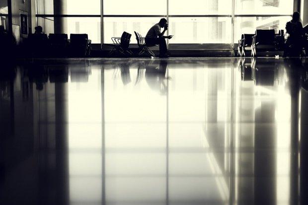 """Aeroportul din Los Angeles a fost parțial închis. Ce au fost de fapt """"focurile de armă"""" pe care pasagerii susțin că le-au auzit"""