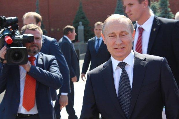 Știrea care a contrariat internetul: Vladimir Putin, arestat într-un supermarket din America pentru comportament inadecvat