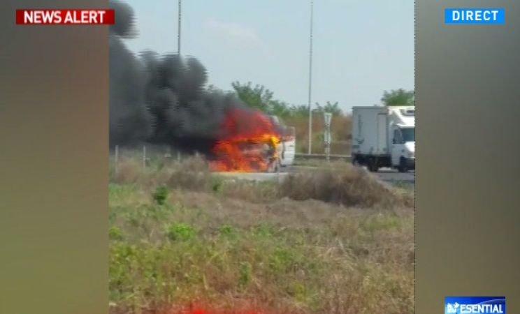 Mașină cuprinsă de flăcări pe șoseaua de centură a Capitalei