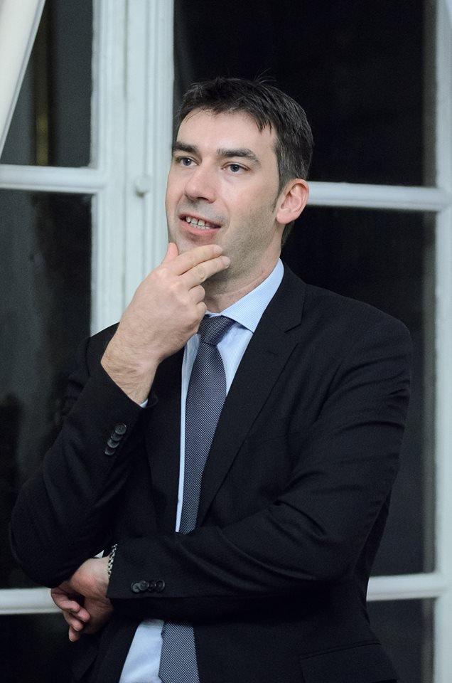 Noul ministru de Interne e dator vândut la bănci. Declarația de avere a lui Dragoş Tudorache