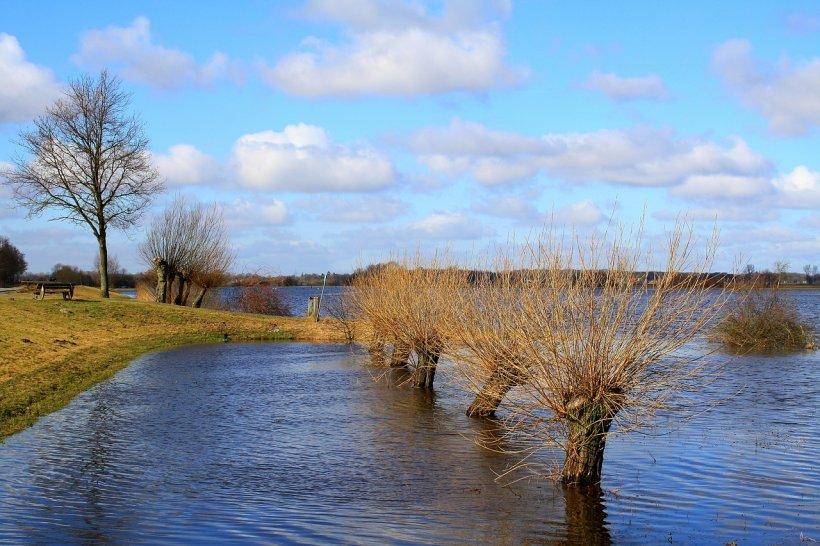 Vin viiturile: Cod galben de inundații pe râurile din judeţul Constanţa