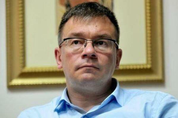 Mihai Răzvan Ungureanu a demisionat de la șefia SIE. Președintele a acceptat demisia