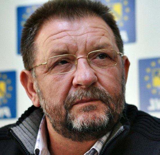 Un senator PNL a părăsit partidul pentru Traian Băsescu