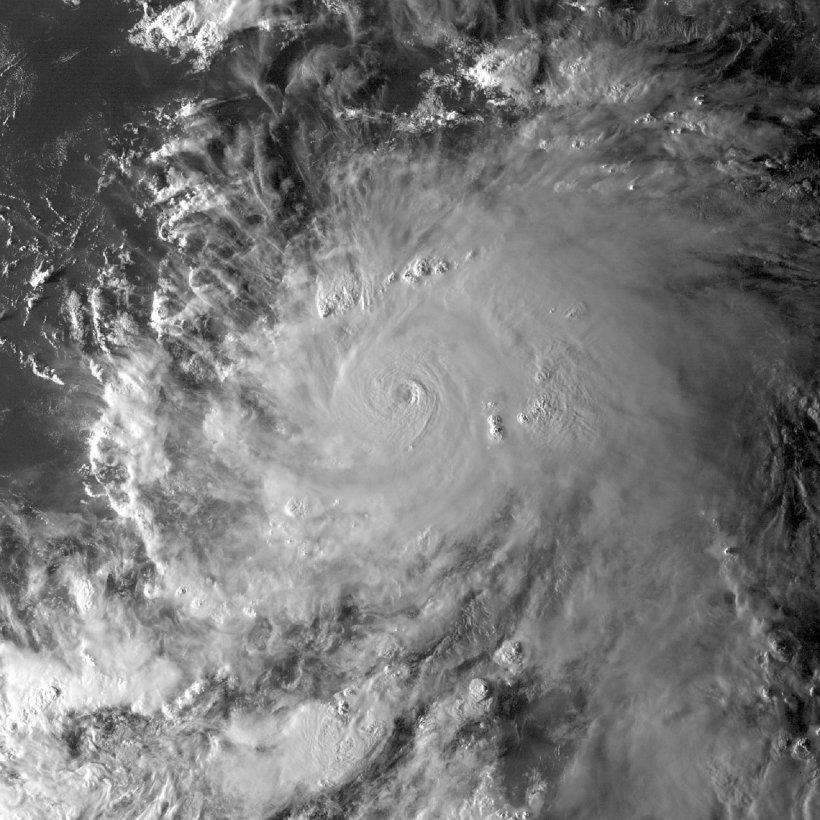 Uraganul Matthew lasă întuneric în urma lui. 1,8 milioane de locuinţe şi sedii din sud-estul SUA au fost afectate