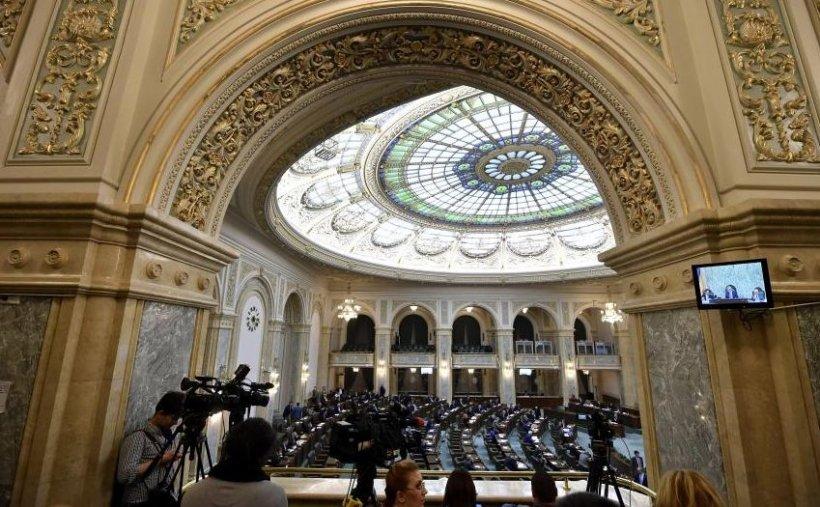 UPDATE: Liberalii boicotează moțiunea simplă depusă de PSD împotriva Ralucăi Prună. Ședința din plen a fost suspendată
