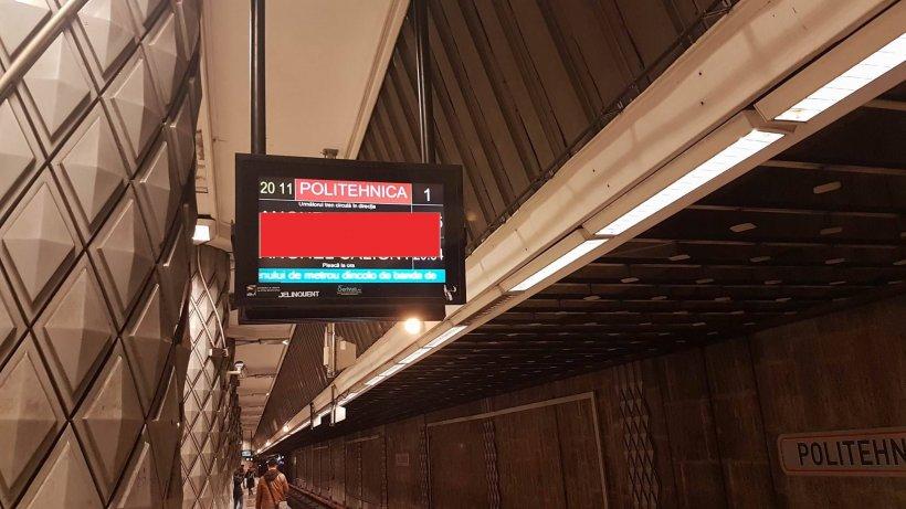 S-a uitat în această seară pe panourile de la metrou. Nu i-a venit să creadă ce scrie acolo