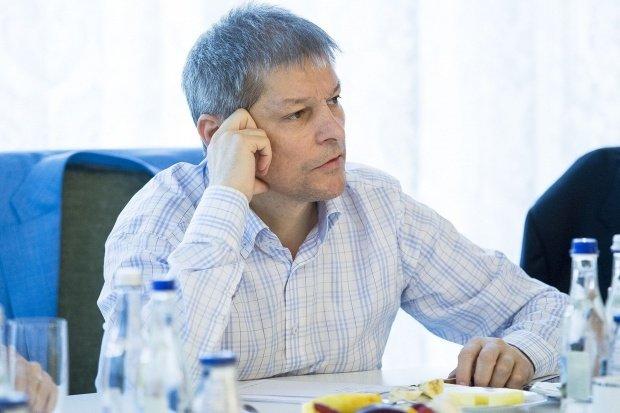 """Dacian Cioloș: """"Au existat provocări la marșul unionist, dar și modul de abordare al jandarmilor a fost exagerat"""""""