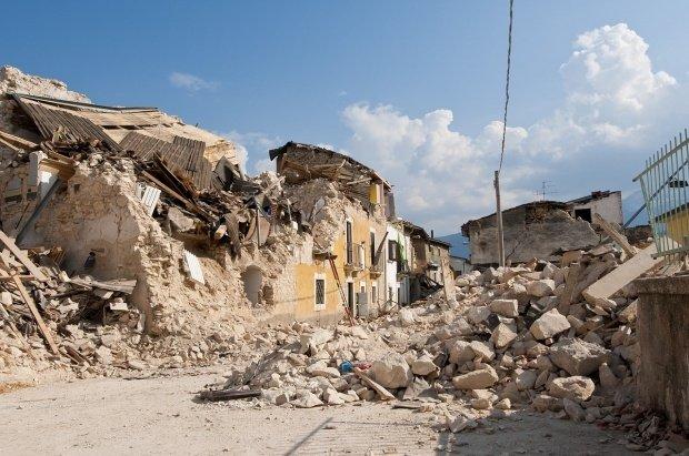 Italia, zguduită din nou. Cutremur de 6.5 pe Richter, urmat de două replici. Sunt zeci de răniți