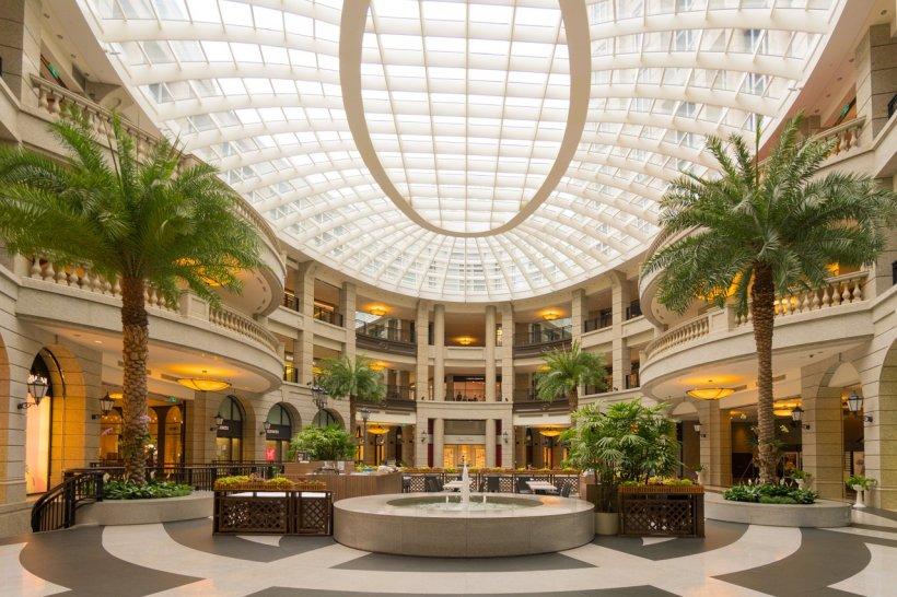 Cum a apărut o bucureșteancă în mall