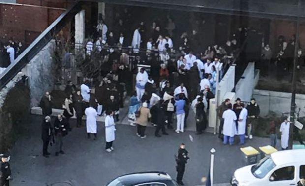 Alertă cu bombă la Paris. Unul dintre cele mai mari spitale a fost evacuat