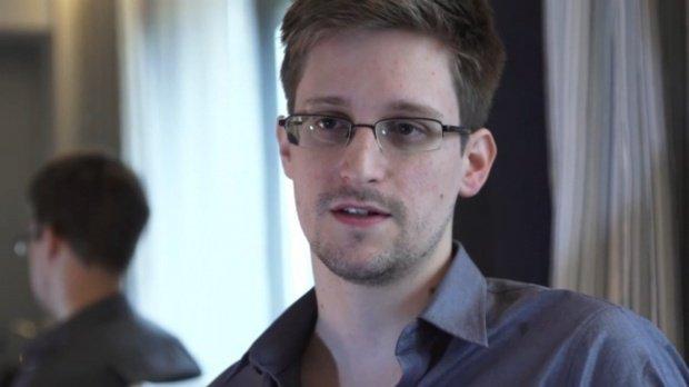 """Edward Snowden, despre victoria lui Donald Trump la Casa Albă: """"Puţin contează Donald Trump"""""""