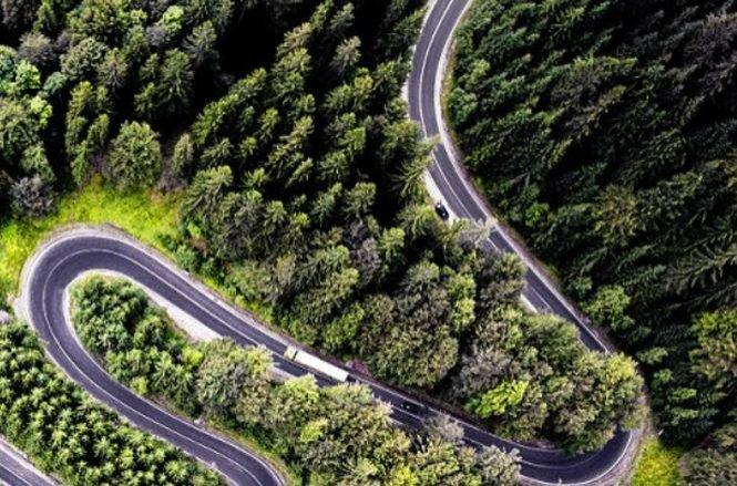 Fotografia realizată de un român care a făcut înconjurul lumii. Ce drum apare în imagine?
