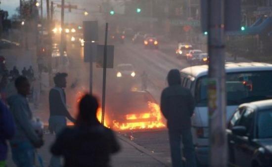 Incidente violente la Atena. Două staţii de metrou au fost închise. Mii de ofițeri au fost mobilizați