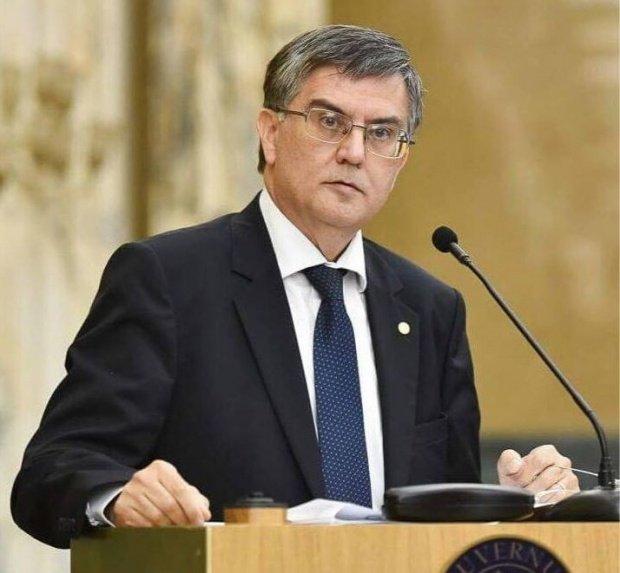 Este oficial: ministrul Educației a semnat ordinul care prevede mai puține teme pentru elevi