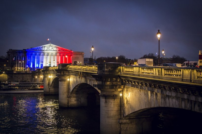 Răsturnare șocantă în Franța. Cine sunt oamenii care intră în turul final al alegerilor prezidențiale
