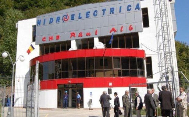 Pericol de blocaj în sistemul energetic din România. Sindicaliștii de la Hidroelectrica s-au blocat în subteran și amenință cu greva