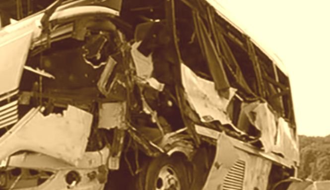 Microbuz răsturnat. A fost activat planul roșu de intervenție. Sunt cel puțin 14 victime