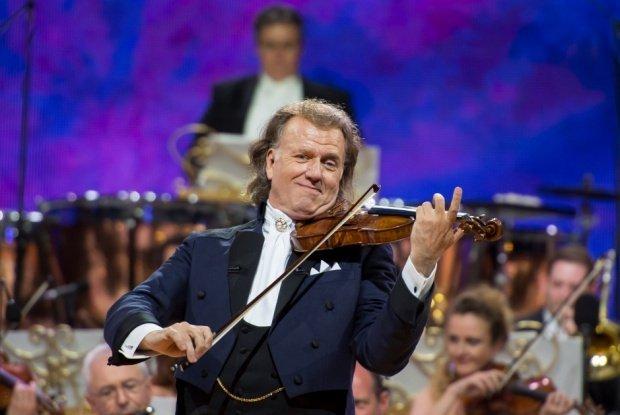 André Rieu şi-a anulat toate concertele din Marea Britanie, după ce un membru al orchestrei sale a făcut infarct