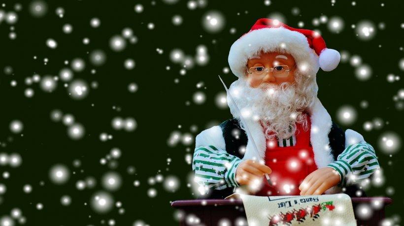 Eroul zilei: Moș Crăciun. Moșul și-a reînnoit licența de pilot comercial și este așteptat în toată lumea