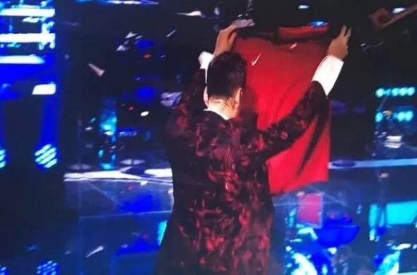 FINALA X FACTOR. Ștefan Bănică Jr., gest senzațional în timpul emisiunii