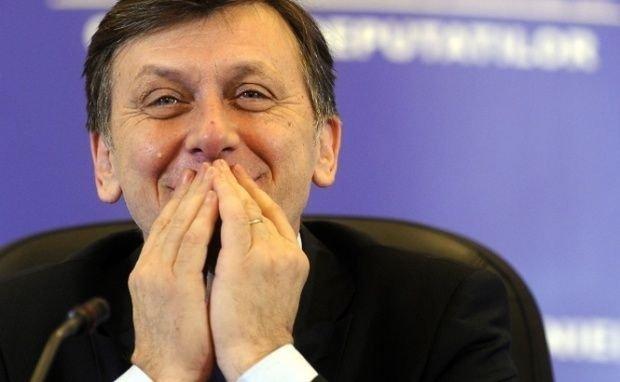 Crin Antonescu: Una din realizările mele politice este desființarea PDL