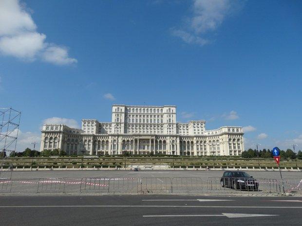 Topul celor mai ruşinoase construcţii din lume. România e pe locul doi