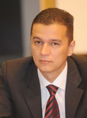Cu ce se ocupă soţia lui Sorin Grindeanu, noua propunere a PSD pentru funcţia de premier