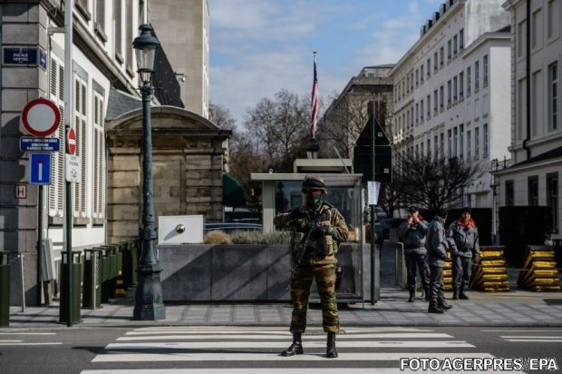 UPDATE. Alertă cu bombă la un centru comercial din București. Centrul a fost evacuat de urgență