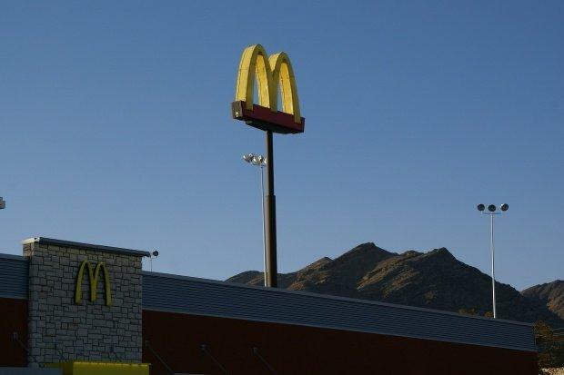 McDonald's și-a pus Vaticanul în cap: Este o rușine și o lipsă de respect
