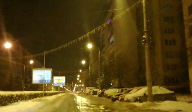 Avarie la o conductă din Sibiu. O stradă principală din oraș a fost inundată - VIDEO