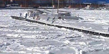 Fenomen rar pe litoral. A înghețat Marea Neagră - VIDEO