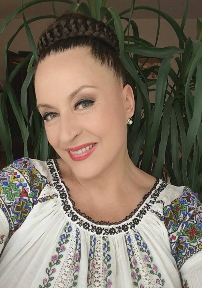 Maria Dragomiroiu, dezvăluiri inedite din cariera sa: A fost înjurată şi scuipată de o altă cântăreaţă de muzică populară