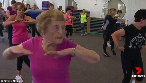"""Are 94 de ani și merge zilnic la sală: """"Sunt mereu pe fugă. Nu–mi place să stau pe scaun"""""""