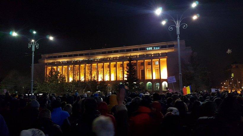 Proteste în Capitală și în țară împotriva legii graţierii. Câteva mii de oameni au ieșit în stradă