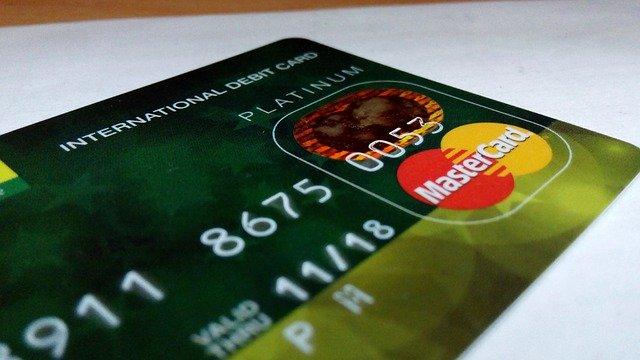 Scrie PIN-ul pe card și nu-ți vei găsi niciodată contul bancar jefuit