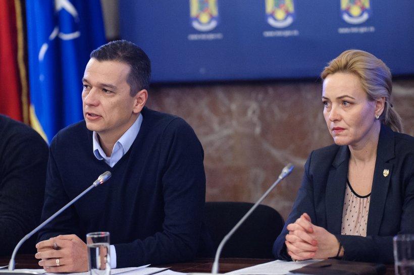 Premierul Grindeanu, întâlnire de urgență cu miniștrii în aeroport