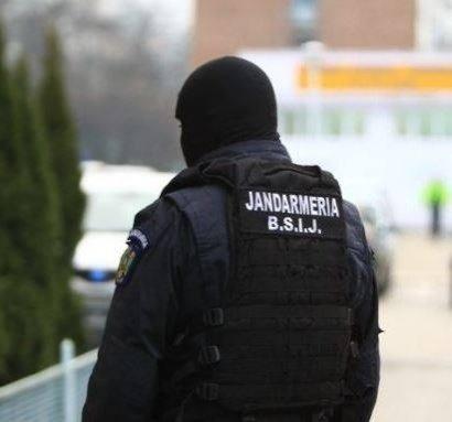 Un jandarm a fost lovit la protestele din această seară