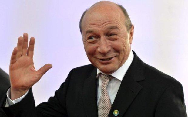 """Traian Băsescu: """"CCR să spună dacă graţierea e o problemă de interes naţional. Mă tem că e un joc politic"""""""