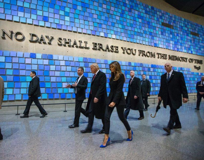 Imaginile cu Melania Trump care fac înconjurul lumii. Ce s-a întâmplat cu Prima Doamnă a Statelor Unite la ceremonia de învestire a lui Donald Trump