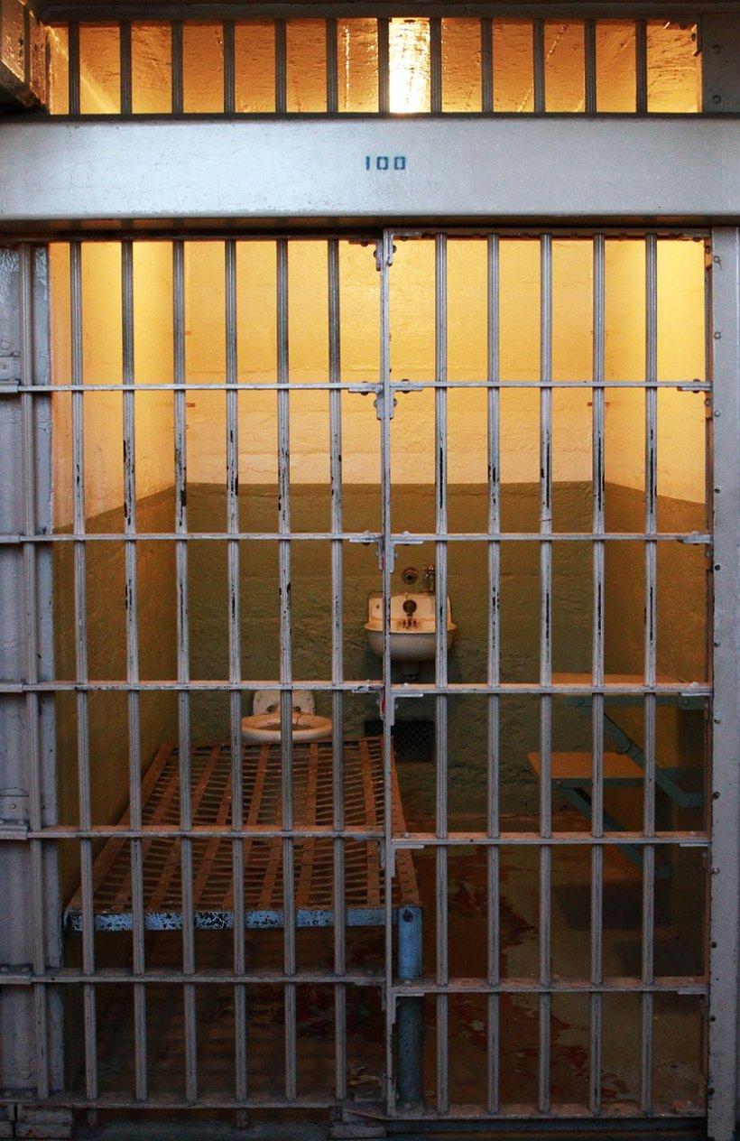 Sindicatele din penitenciare: 40,7% dintre români au toaleta în curte. 100% dintre deţinuţi au toaleta în celulă