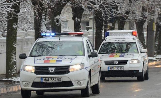 Accident îngrozitor în Dâmbovița. Un TIR a intrat într-o casă! Un copil de patru ani şi mama lui au ajuns la spital