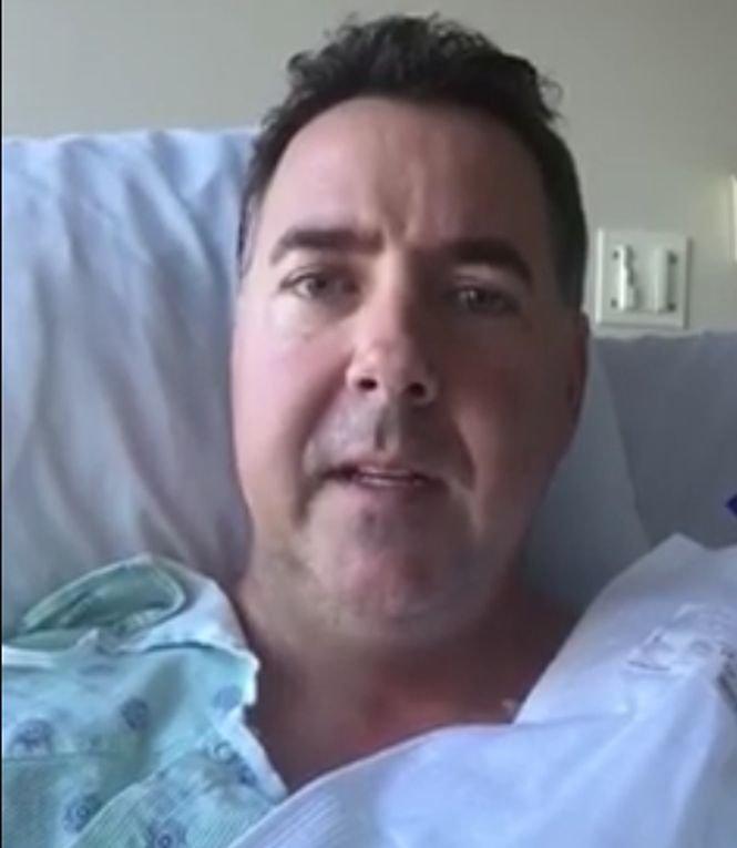 S-a prăbușit în fața unei femei și a intrat în stop cardiac. Ce s-a întâmplat cu acest bărbat după câteva zile - VIDEO
