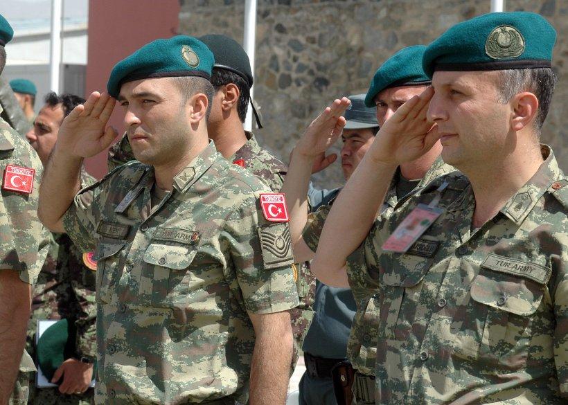 Zeci de militari turci de rang înalt au dezertat. Cer azil în Germania