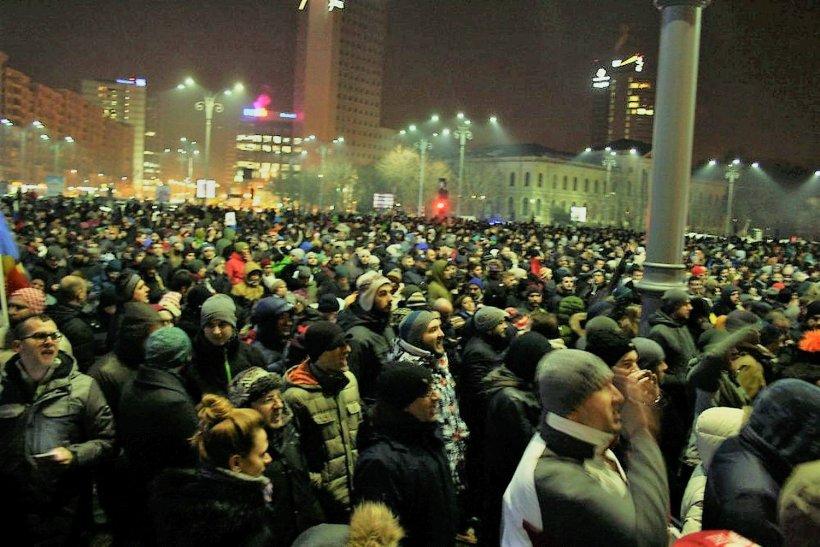 Mai mulți miniștri din Guvernul Cioloș au fost la protestul de marți noapte