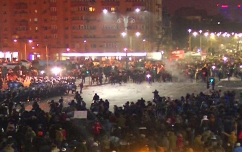 Violențe în Piața Victoriei. Brigada Specială de Intervenții a Jandarmeriei intervine în forță 416